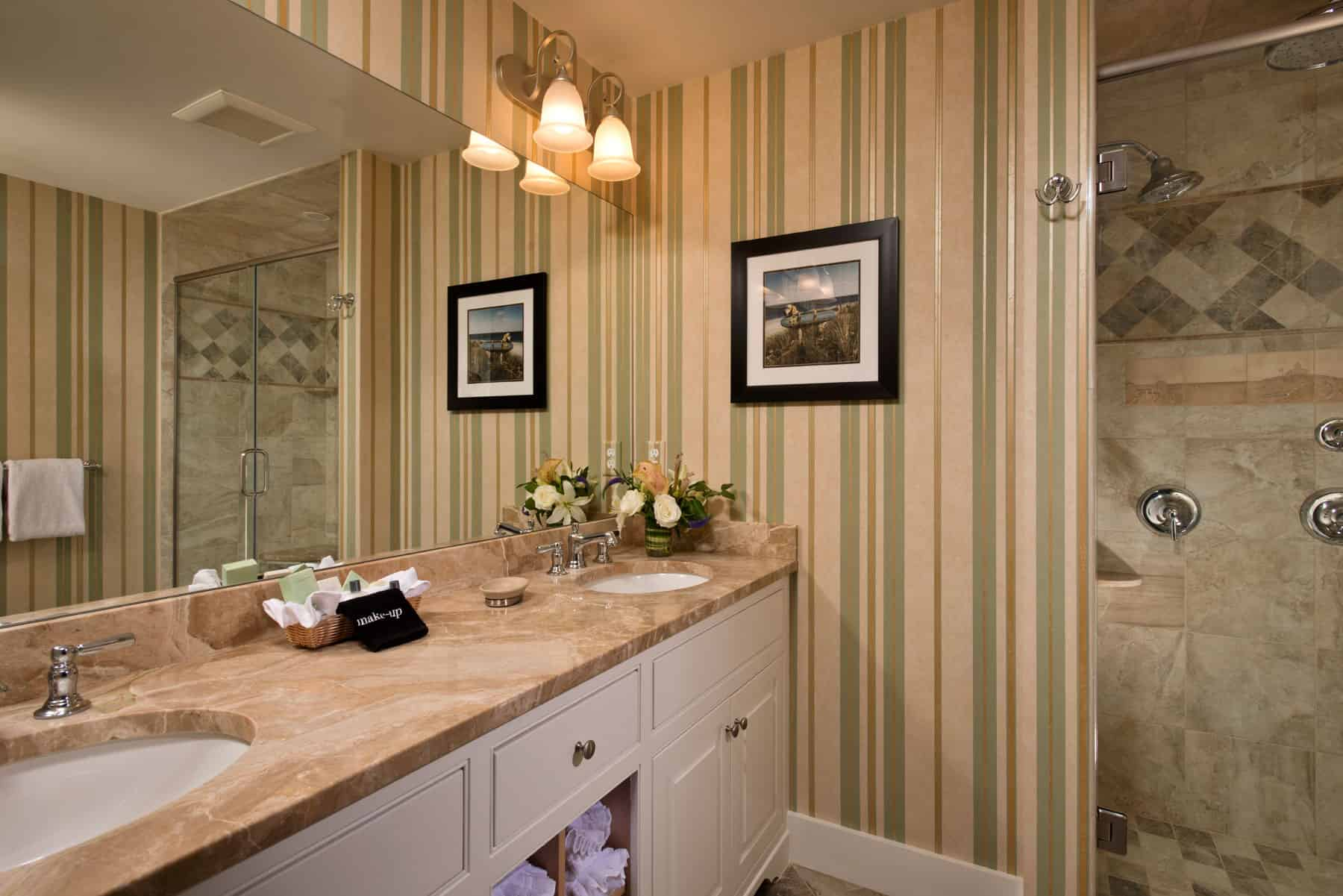 Windward State Room Bath
