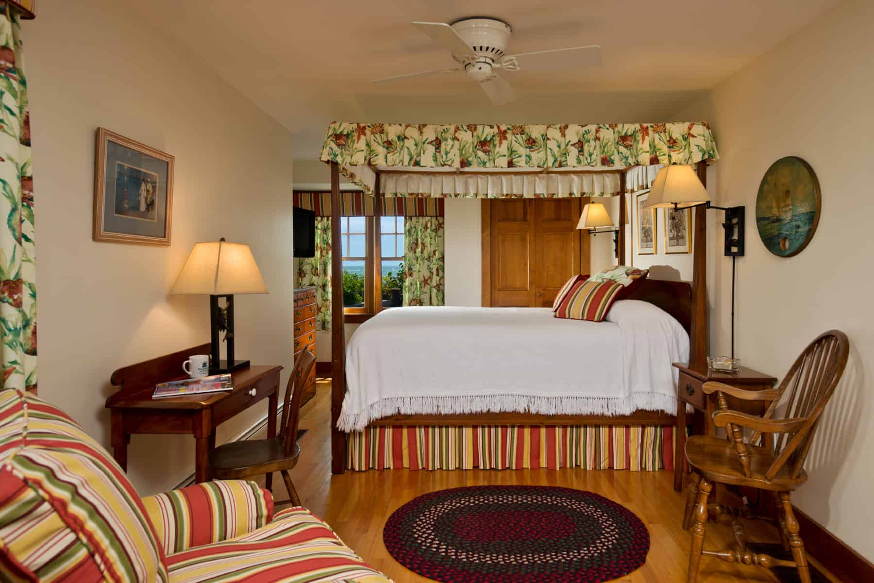 Room 1 canopy bed