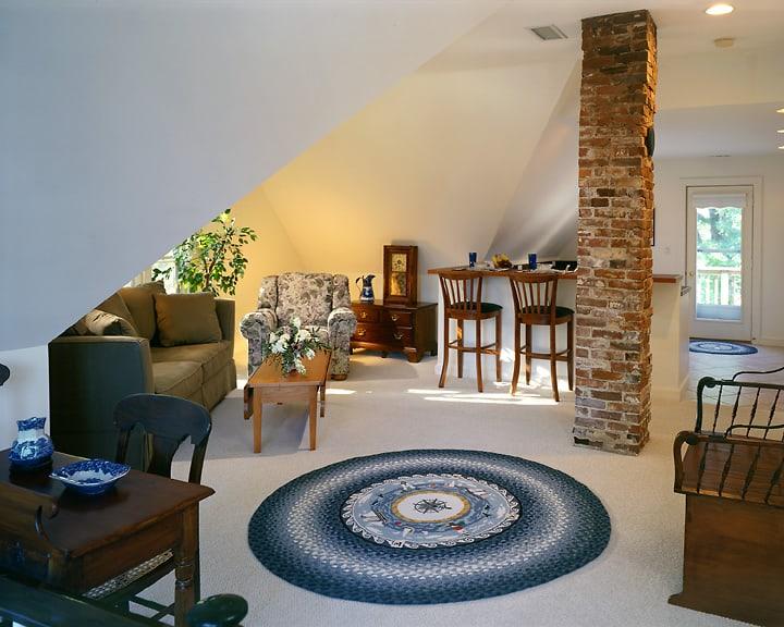 Pool Suite Living Room